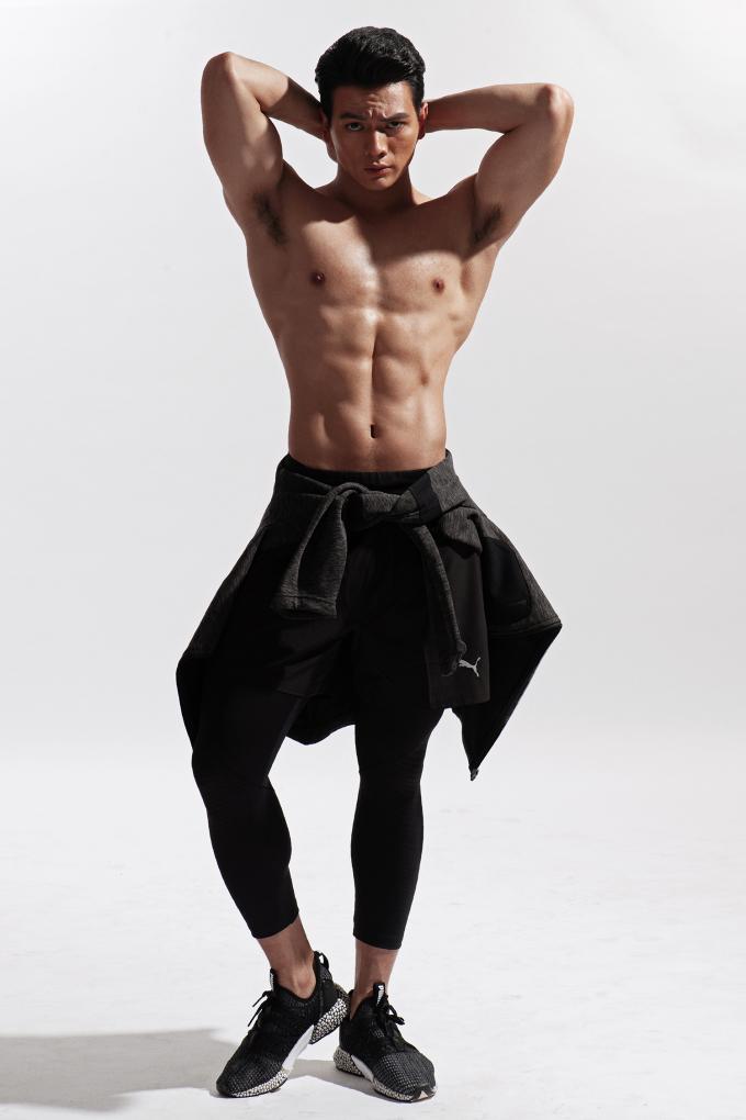 <p> Lê Xuân Tiền sinh năm 1996, quê ở Phú Yên, xuất thân là một vận động viên Taekwondo. Chàng diễn viên trẻ sở hữu chiều cao 1,85 m, số đo 103-79-102.</p>