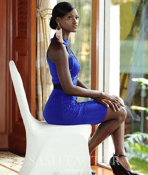 Marie Esther Bangura năm nay 18 tuổi. Cô là Hoa hậu Hoàn vũ thứ ba trong lịch sử của Sierra Leone. Hiện tại cô theo học ngành kiến trúc.