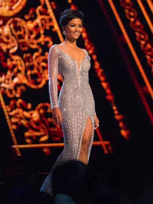Chung kết Miss Universe 2018: HHen Niê và Top 10 thi trang phục dạ hội - 4