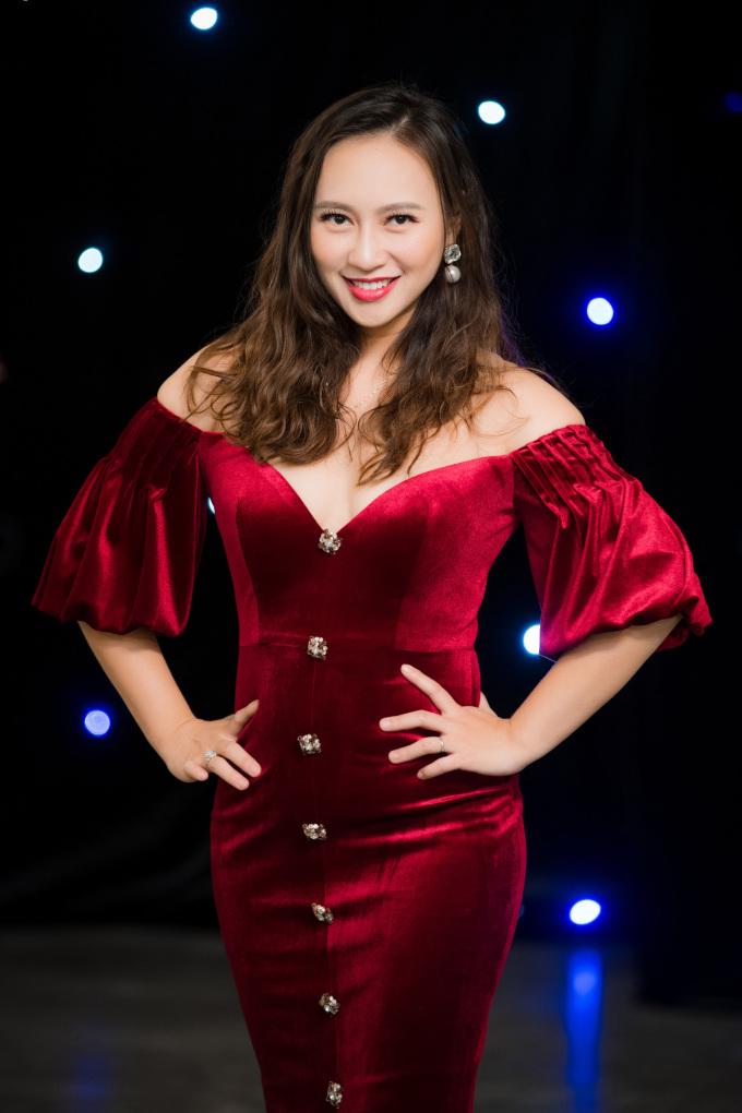 <p> Nữ ca sĩ Khánh Linh.</p>