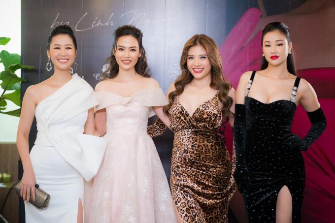 <p> Tối 16/12, dàn hoa hậu, người đẹp có mặt trong show diễn thời trang của nhà thiết kế (NTK) Linh Nguyễn tại Hà Nội.</p>
