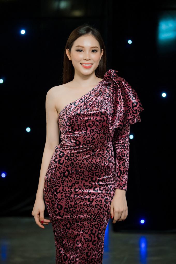 <p> Hot girl Linh Rin.</p>