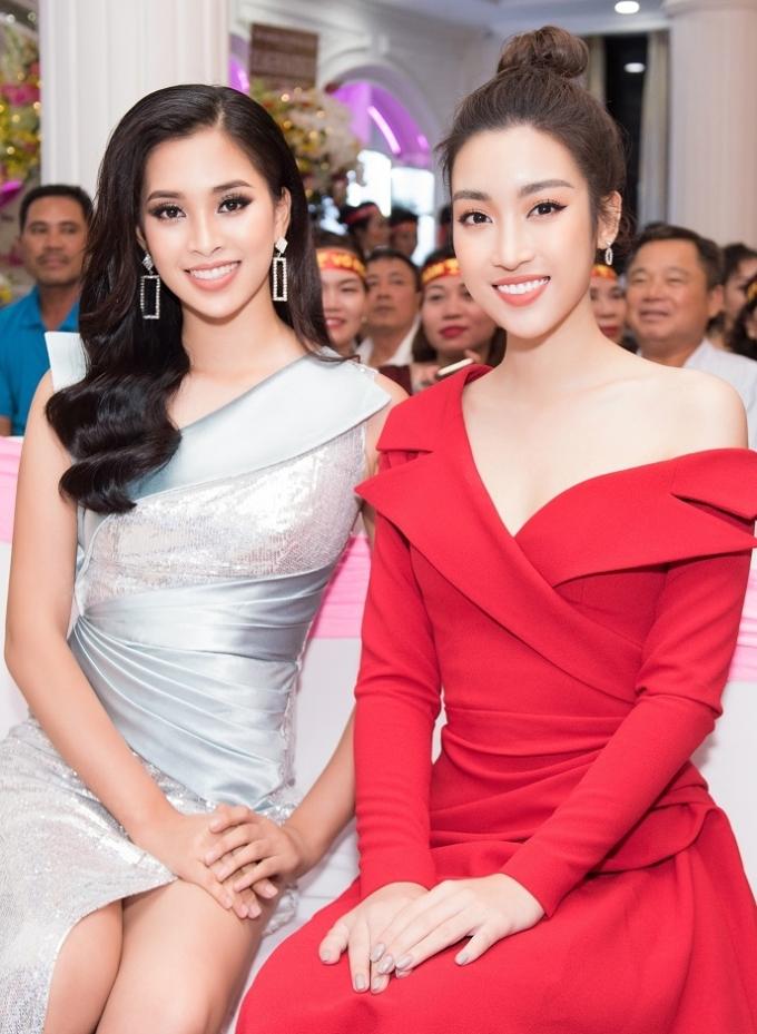 <p> Đỗ Mỹ Linh ngày càng ấn tượng với phong cách thời trang cá tính, táo bạo. Trần Tiểu Vy lại được khán giả khen ngợi bởi vẻ đẹp ngày một sắc sảo.</p>