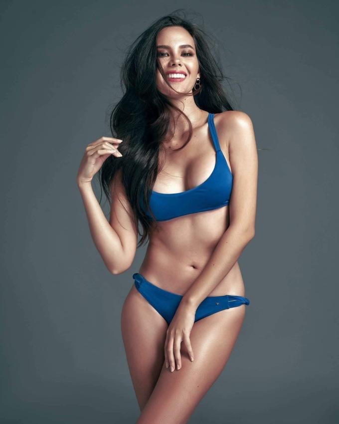 <p> Catriona Elisa Magnayon Gray cao 1,78 m, là MC, người mẫu, ca sĩ nổi tiếng Philippines. Catriona Gray sinh ra ở Australia năm 1994, chuyển về Manila - quê mẹ - sau khi hoàn thành trung học.</p>