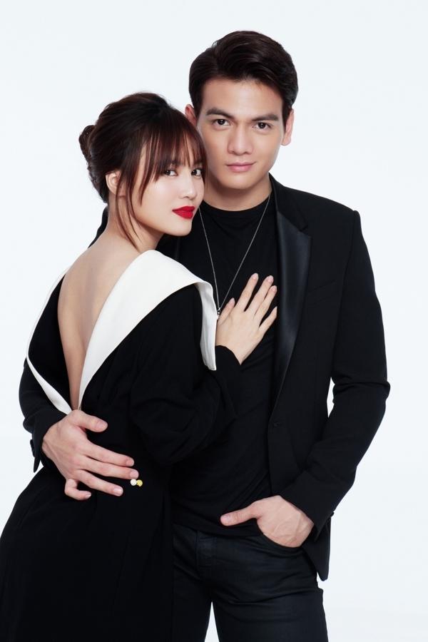 <p> Đóng cặp cùng Lan Ngọc, Xuân Tiền cho biết, anh ấn tượng bởi sự thông minh, nhanh nhẹn và khả năng làm chủ tình huống trên phim trường của nữ diễn viên sinh năm 1990.</p>