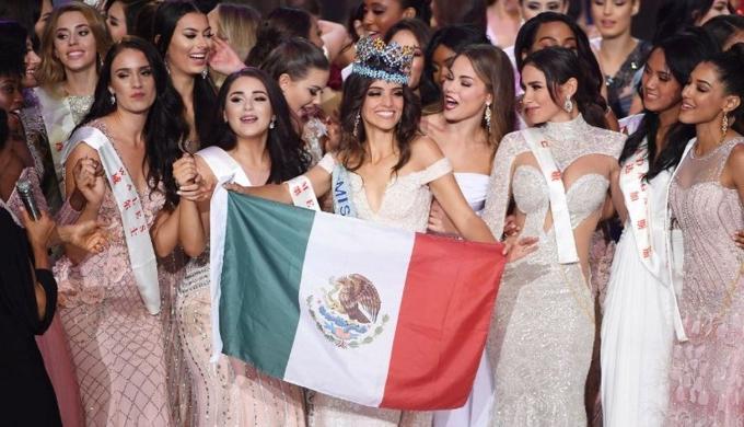 <p> Vượt qua 117 nhan sắc đến từ khắp các quốc gia và vùng lãnh thổ trên thế giới, người đẹp Mexico - Vanessa Ponce - đăng quang Hoa hậu Thế giới tối 8/12. Tân Hoa hậu Thế giới từng là Quán quân Mexico's Next Top Model 2014. Cô năm nay 25 tuổi, cao 1,72 m. Ngoài nhan sắc xinh đẹp, body quyến rũ, đại diện châu Mỹ còn được đông đảo khán giả ủng hộ trên mạng xã hội.</p>