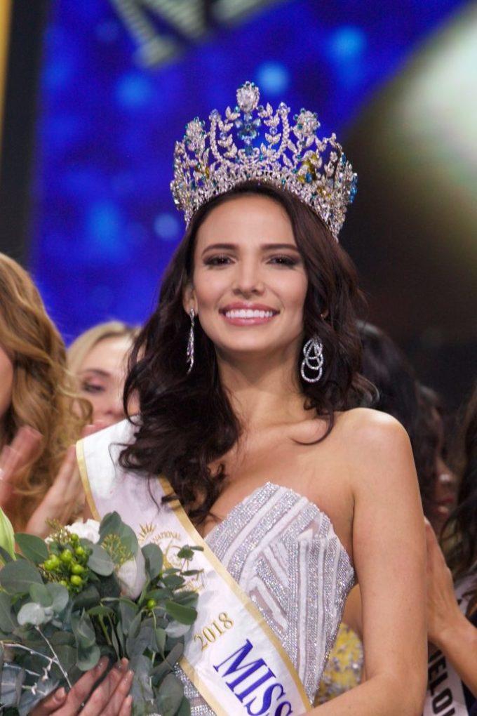 <p> Người đẹp Puerto Rico - Valeria Vázquez - đăng quang Hoa hậu Siêu Quốc gia 2018 rạng sáng 8/12 (giờ Hà Nội). Mỹ nhân chiến thắng năm nay 24 tuổi, hình thể chuẩn mực, chiều cao 1,78m.</p>