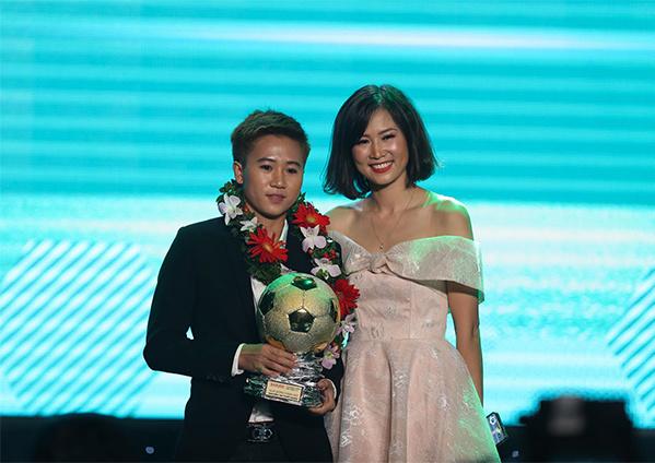 Quang Hải đoạt danh hiệu Quả bóng vàng Việt Nam 2018 - 8