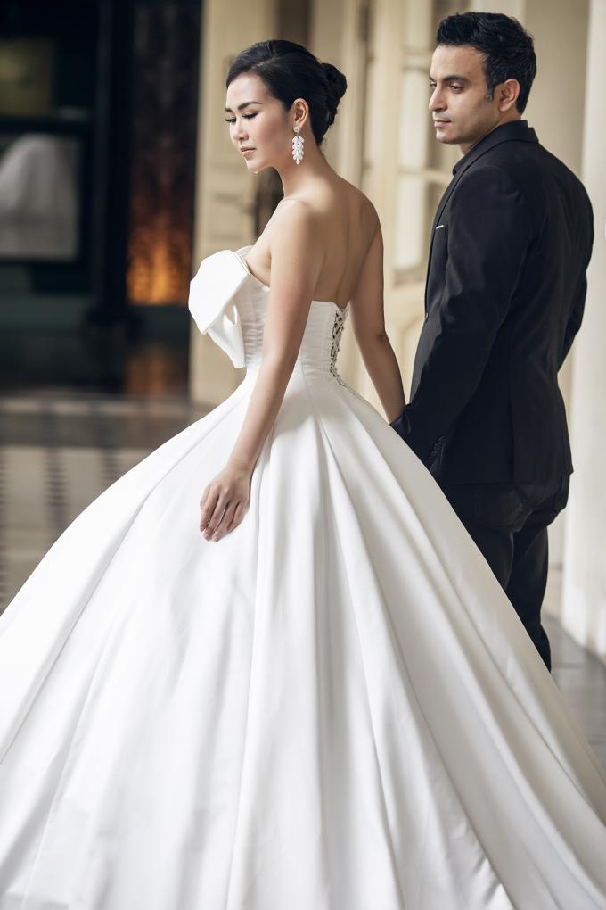 <p> Đám cưới của Võ Hạ Trâm sẽ diễn ra vào tối ngày 14/1 tại TP HCM. Trước đó lễ rước dâu sẽ được tổ chức tại nhà riêng ở quân Tân Bình.</p>
