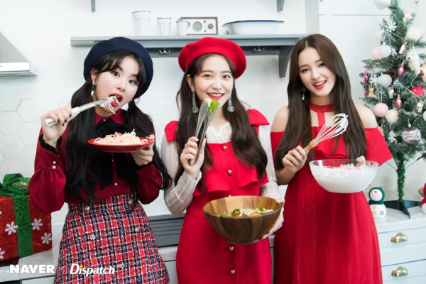 Chae Young (Twice), Yeri (Red Velvet) và Nancy (Momoland) cùng xuất hiện trong một bộ ảnh khiến fan phấn khích.