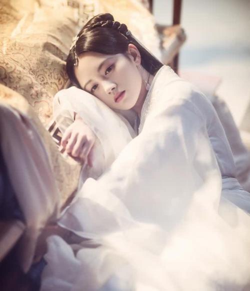 8 bộ phim cổ trang kinh điển Hoa ngữ được làm lại trong năm 2019 - 7