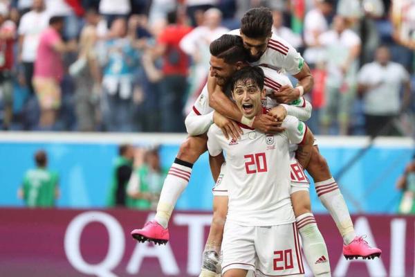 Sardar là tài sản riêng quý báu của đội tuyển Iran. Ở vòng loại World Cup 2018, Sardar ghi 11 bàn thắng trong 14 trận. Bàn thắng mở tỷ số của Sardar ở trận gặp gặp Uzbekistan (2-0) góp phần đưa Iran đến nước Nga tham dự giải đấu lớn nhất hành tinh. Tại Asian Cup 2015, Sardar nổi lên như một sân sút đáng gờm. Anh chàng được CLB Rubin Kazan chiêu mộ và hiện đang thi đấu ở Giải vô địch Quốc gia Nga.