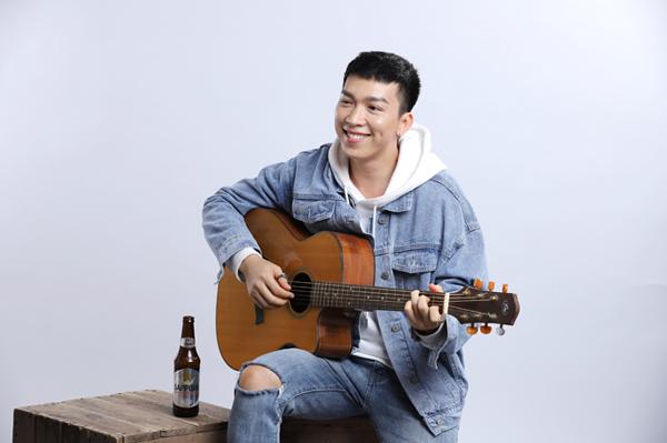 Nam ca - nhạc sĩ trẻ Tăng Phúc chọn Sapporo Premium Beer bởi vị êm đằm cùng hương thơm ngon.