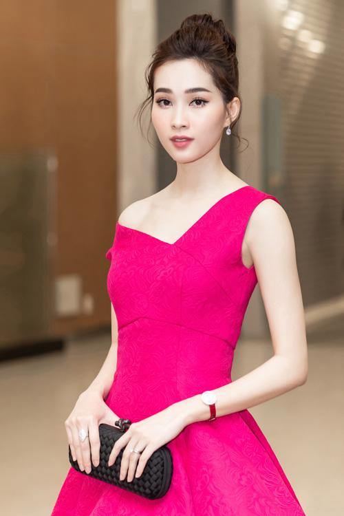 Tối 27/12, show diễn thời trang Thu - Đông 2018 với tên gọi Mix&Match của NTK Đỗ Mạnh Cường