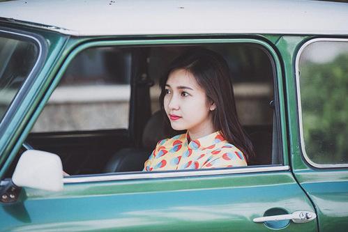 Ca sĩ Phương Thanh - bạn thân rapper Tiến Đạt nhắn nhủ Thụy Vy phải thật xinh đẹp như lúc chưa lập gia đình trên trang cá nhân của cô.