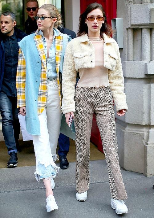 Hai chị em tại Milan Fashion Week tháng 2/2018.