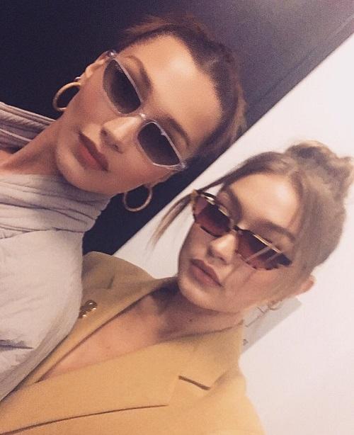 Năm 2018, Gigi và Bella tiếp tục giữ vững phong độ của bộ đôi IT girls hàng đầu làng mốt. Hai cô nàng đắt show ở cả mảng thời trang cao cấp lẫn thời trang thương mại.