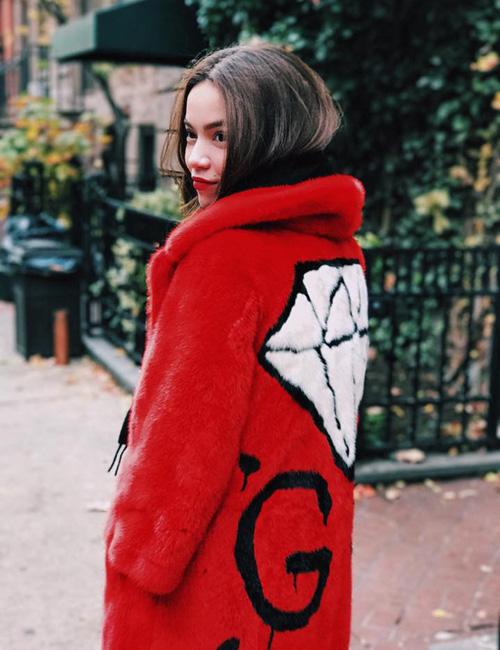 Chiếc áo với tên gọi GG Diamond intarsia mink coat là một item mới nhất nằm trong BST GucciGhost.
