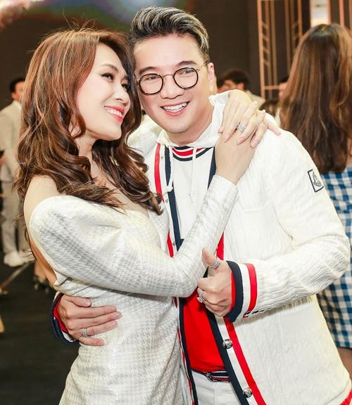 Ông hoàng nhạc Việt Đàm Vĩnh Hưng luôn dành một tình cảm đặc biệt cho Mỹ Tâm. Anh gửi lời chúc tới người tình cho dự án phim mới.