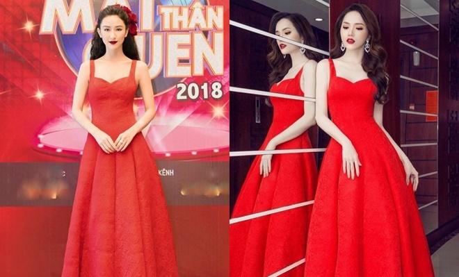 <p> Hương Giang toát lên vẻ mong manh, yêu kiều khi diện đầm hai dây đỏ. Thiết kế này được Hà Thu mặc lại tại chương trình <em>Gương mặt thân quen 2018.</em></p>