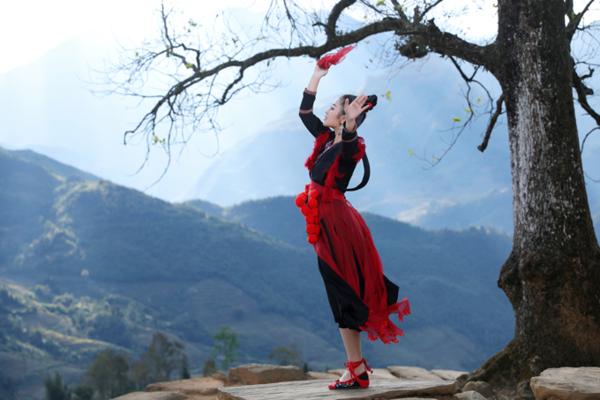 MV của Thu Hằng chứa nhiều cảnh quay đẹp về thiên nhiên Tây Bắc.