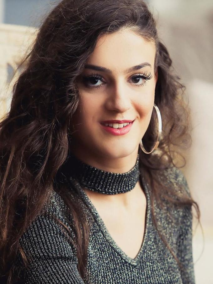 <p> Thí sinh đến từ Kosovo – Arjanita Peci.</p>