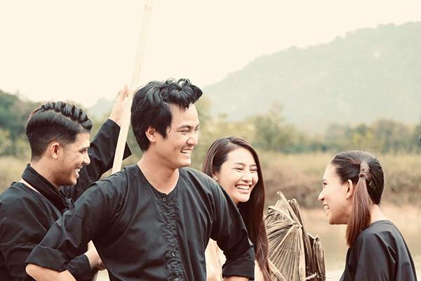 Linh Chi nhá hàng những hình ảnh hậu trường của phim mới.