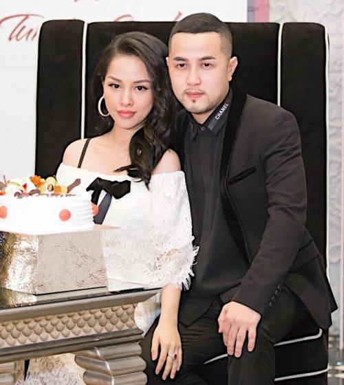 Trang Pilla hạnh phúc bên anh trai ca sĩ Bảo Thy.