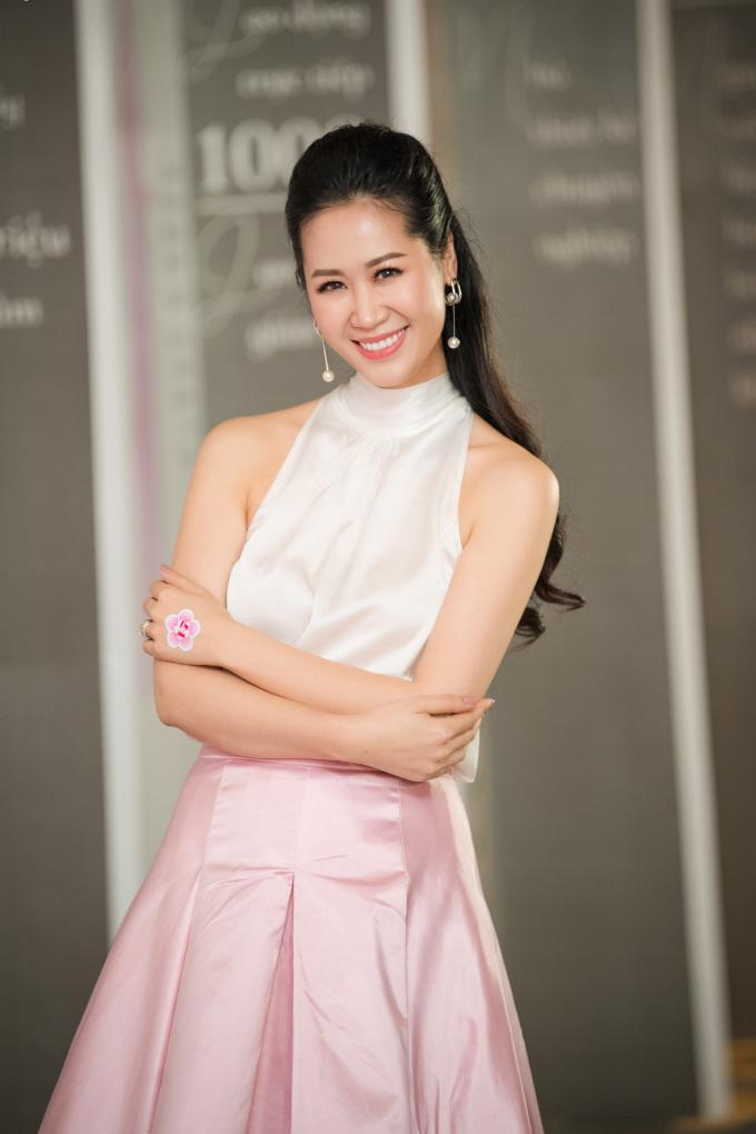 <p> Hoa hậu quý bà Dương Thùy Linh.</p>