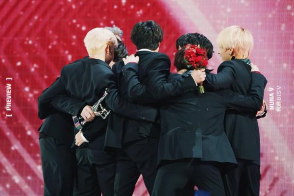BTS vừa nhận được giải Daesang thứ 19 trong sự nghiệp.
