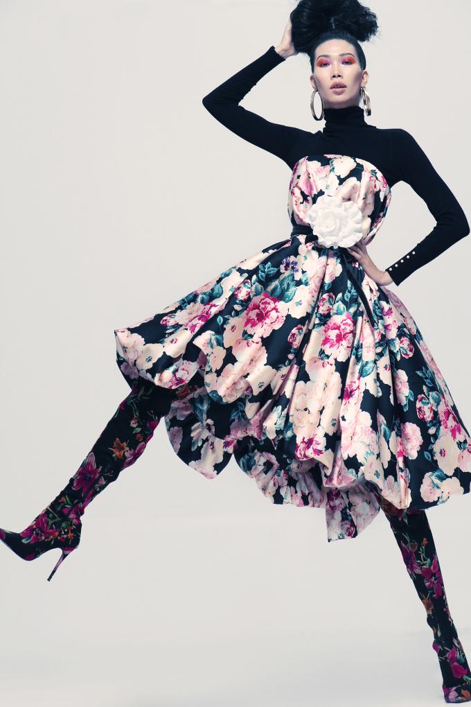 <p> Với bộ ảnh này, Kim Phương chứng minh khả năng tạo dáng đa dạng cùng những cách pose khó. Việc tạo dáng khi đang chuyển động là một thách thức với các người mẫu để có thể tạo nên những bức hình sinh động.</p>