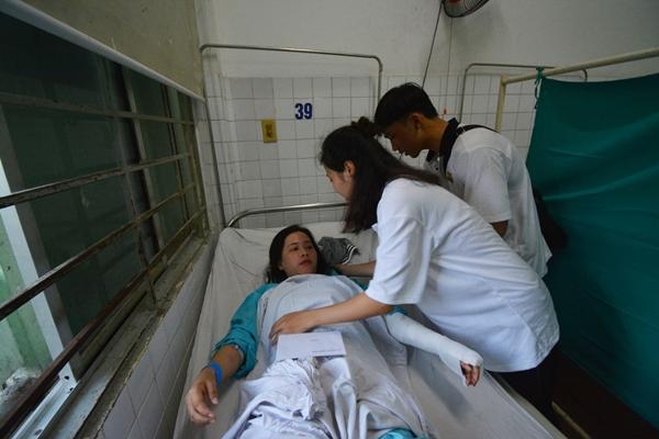Kim Nhanh được cấp cứu trong bệnh viện Đà Nẵng.