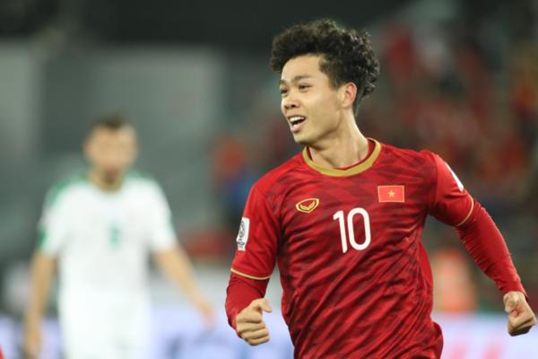 Công Phượng được xếp đá chính ngay trong trận mở màn Asian Cup 2019.