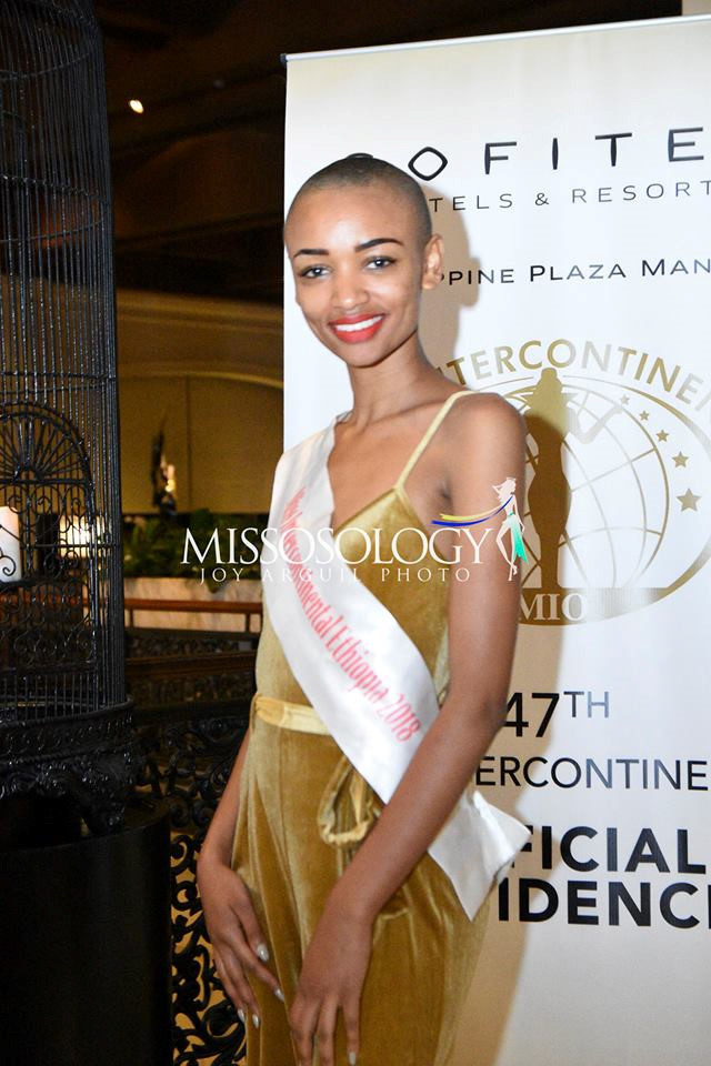<p> Đại diện Ethiopia là một trong những nhan sắc châu Phi có mặt tại Philippines từ sớm. Cô sở hữu khuôn mặt góc cạnh, nam tính.</p>