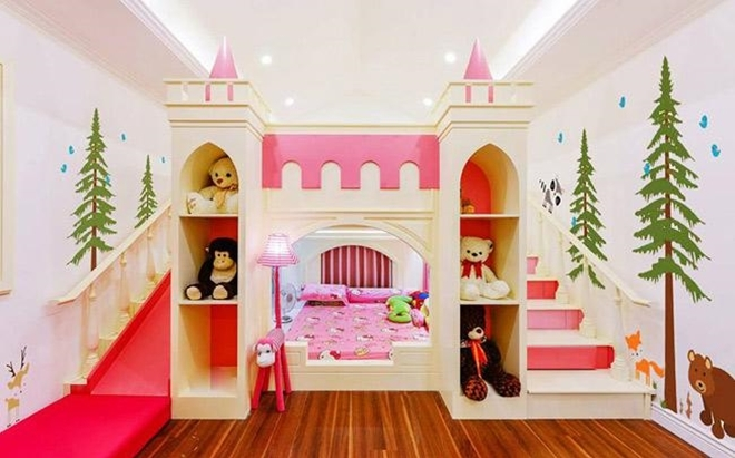 <p> Phòng ngủ của con gái Di Băng được thiết kế ngộ nghĩnh, đáng yêu với tông màu hồng.</p>