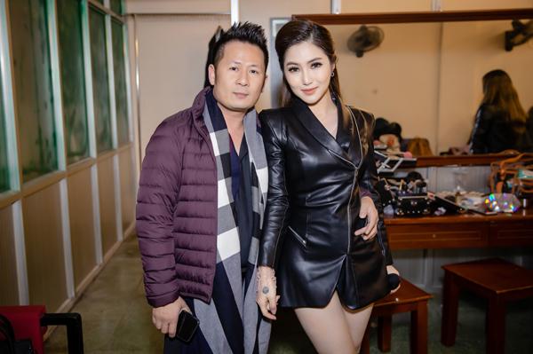 Bằng Kiều và Hương Tràm cũng là những người anh em thân thiết. Anh xem cô gái xứ Nghệ như là em út trong ban nhạc Quả dưa hấu. Trong liveshow, cả hai có màn kết hợp đầy ăn ý.