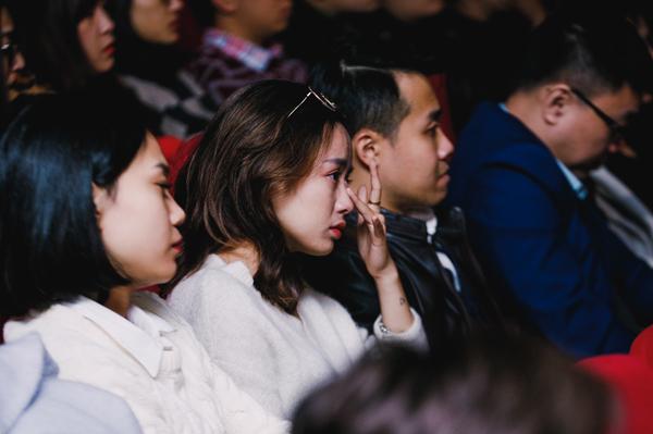 Sự kết nối giữa Điều ước thứ 7 và Hộp thư số 1 để mang đến một câu chuyện xúc động về tình nhân ai đã khiến nhiều khán giả ngồi dưới bật khóc.