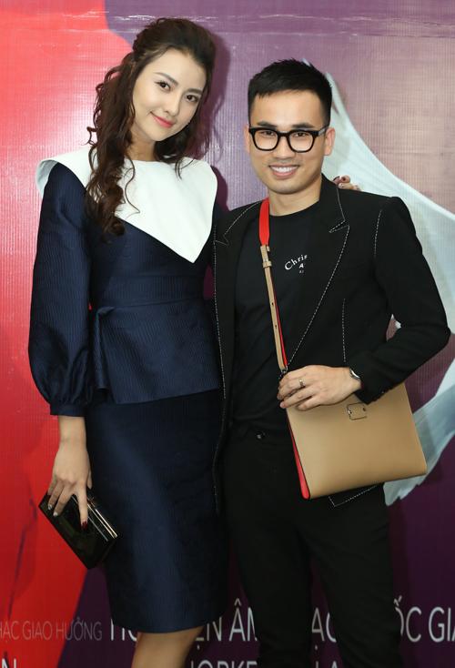Người mẫu Hồng Quế và NTK Hà Duy.
