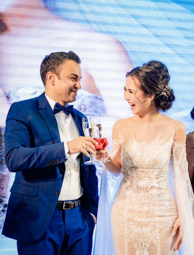 Mẹ chồng Ấn Độ nhảy múa tưng bừng trong đám cưới Võ Hạ Trâm