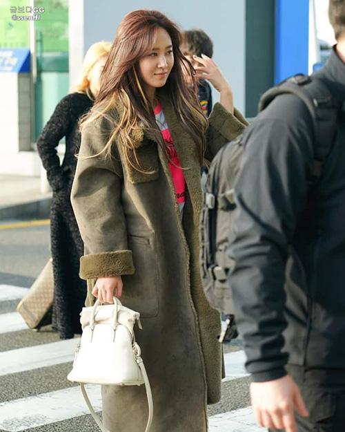 Yuri cũng lên đường sang Chile dự concert. Cô