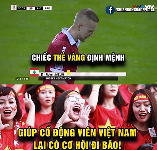 Chiếc thẻ vàng oan nghiệt khiến các cầu thủLebanon phải nhường cơ hội đi tiếp cho Việt Nam.