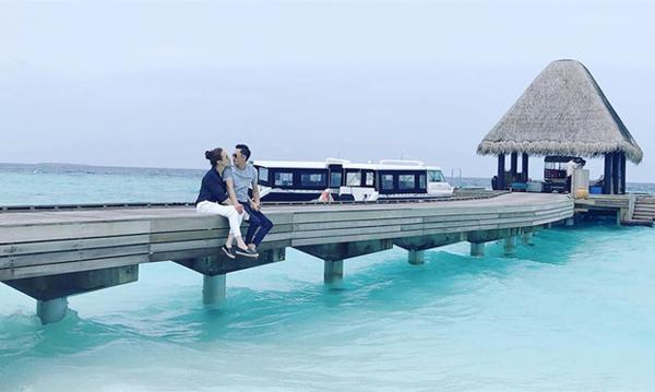 Tháng 6/2018, Quốc Cường - Thu Trang đi du lịch Maldives. Những khoảnh khắc lãng mạn bên nhau của cả hai bị nghi