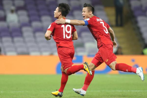 Tiền vệ Quang Hải (số 19) xứng đáng là chân sút số 1 Việt Nam.