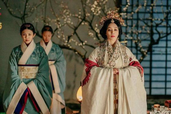 10 đại mỹ nữ thi nhau tranh sủng trong Hạo Lan truyện của Vu Chính - 2