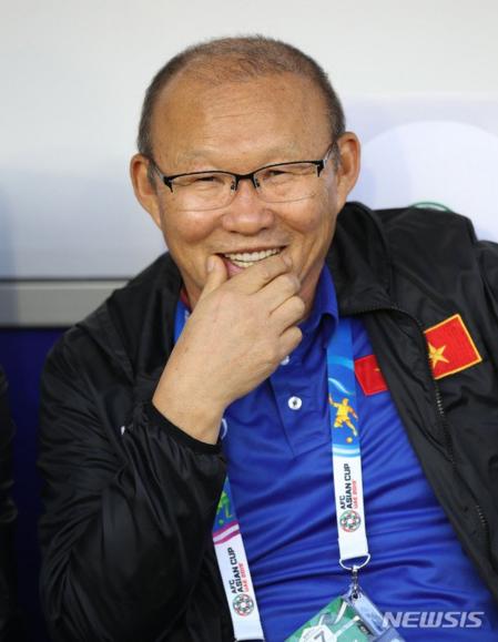 Báo Hàn Quốc: Phép nhiệm màu Park Hang-seo tiếp tục đưa Việt Nam vào tứ kết - 1