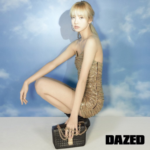 Lisa khoe thần thái cuốn hút trên bộ ảnh cho tạp chí Dazed.