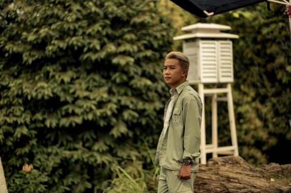 Minh Tít vừa làm nhà sản xuất kiêm nam chính của phim.