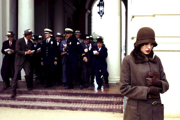 Câu chuyện Angelina Jolie thể hiện tưởng chừng tàn khốc nhưng lại không là gì so với hiện thực.