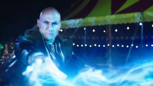 Tạo hình Dr. Sivana do nam tài tử Mark Strong diễn xuất.