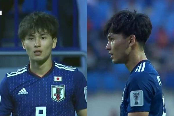 Sau trận bán kết Việt Nam - Nhật Bản tối 24/1, danh tính nam tiền vệ người Nhật Bản này đang được tìm kiếm, chia sẻ chóng mặt trên mạng xã hội. Nhờ gương mặt sáng, có nét baby khiến chân sút này trở thành người trong mộng của nhiều người.